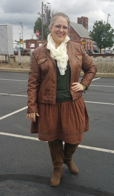 Credit: Shay in Frumpy Fighters. Click for outfit formula.