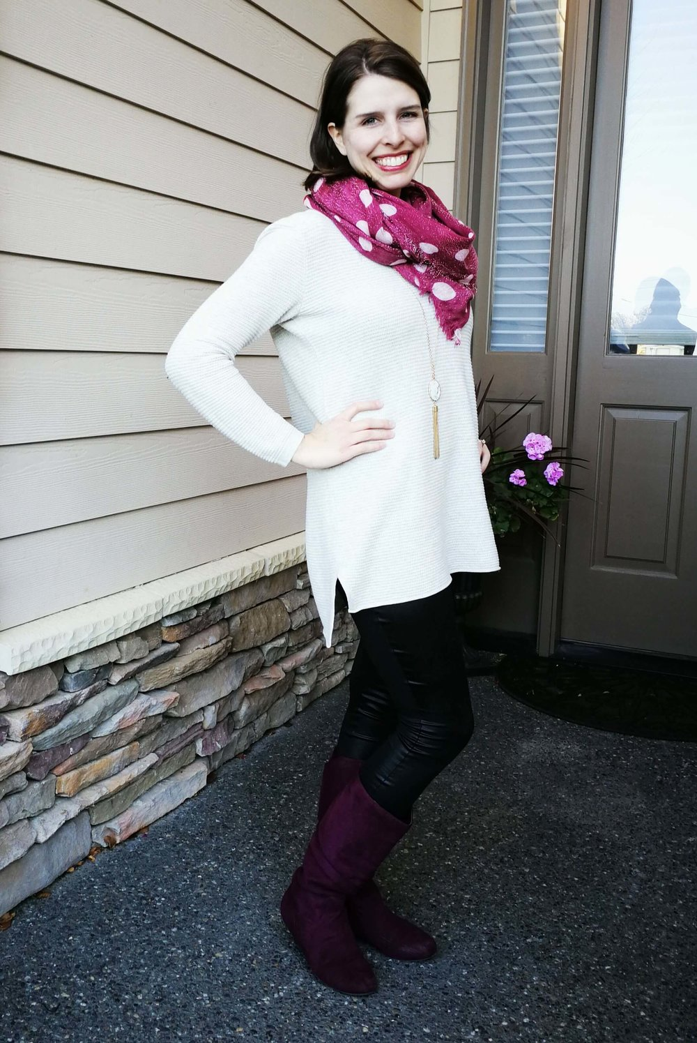 How to wear faux leather leggings. Casual, classy outfit idea for winter or fall that covers your butt - Tunic Sweater + scarf + boots.
