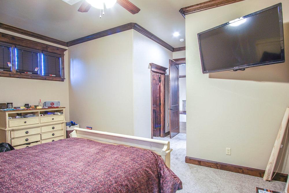 00136 Bedroom 3.jpg