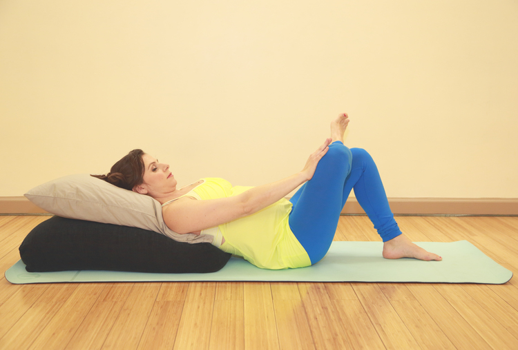 Piriformis Stretch (Le Claire Photography)