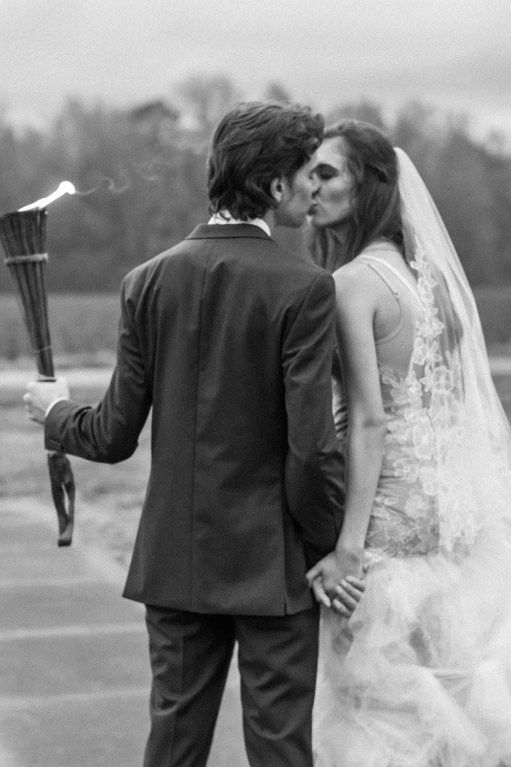 Dark & Moody Wedding Inspiration | Andrea Rodway Photography-39.jpg