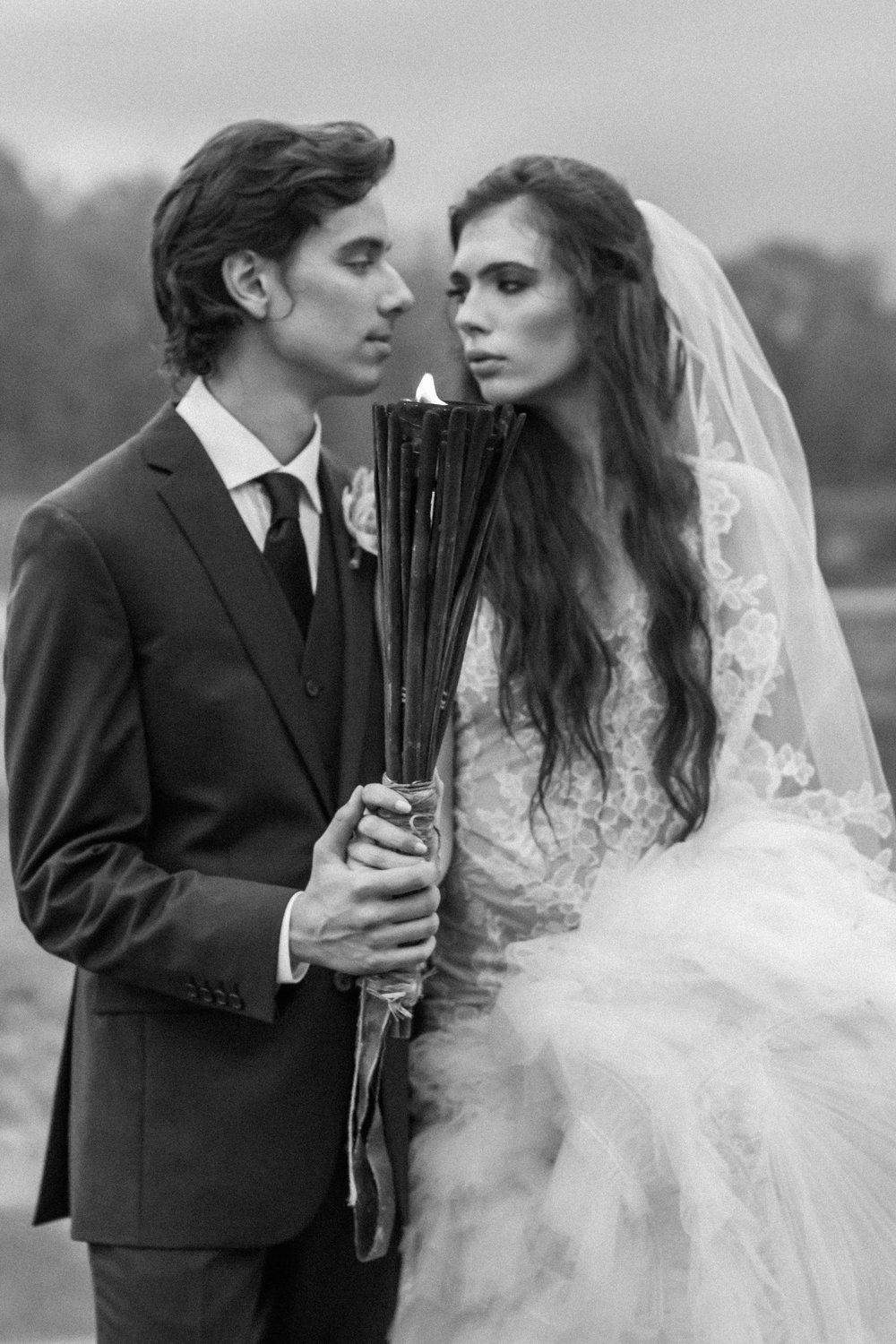 Dark & Moody Wedding Inspiration | Andrea Rodway Photography-45.jpg
