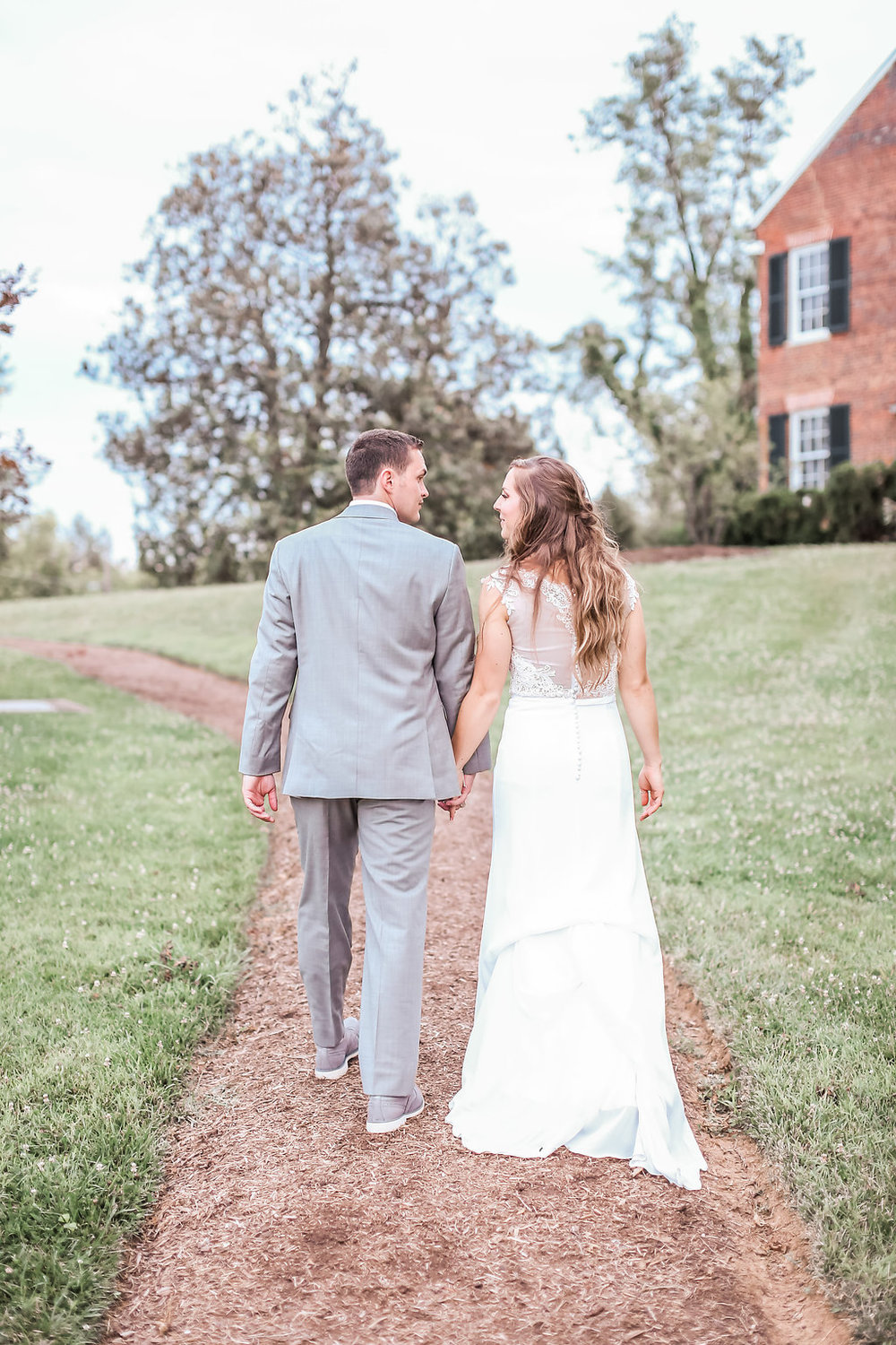 Washington DC LDS Temple Wedding & A Navy Blue Middleburg Virginia Reception | Middleburg Virginia | Andrea Rodway Photography