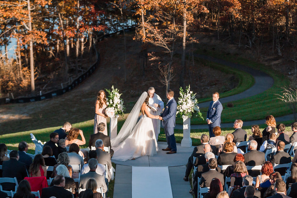Blush & Champagne Shenandoah Lodge Wedding | Andrea Rodway Photography