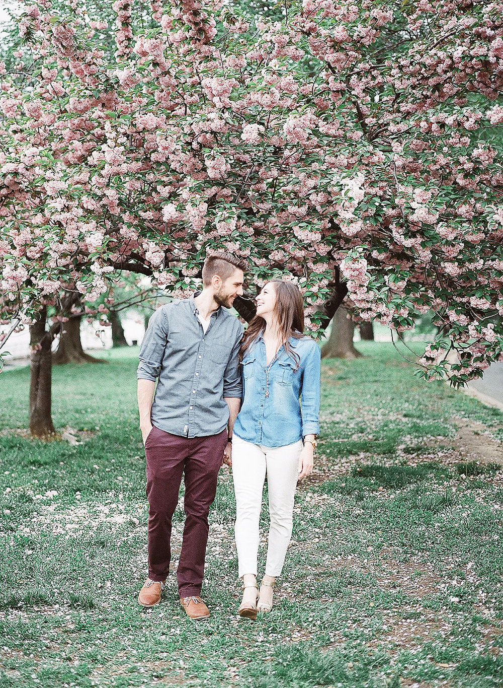 Cherry Blossom Engagement Photos | Tidal Basin Engagement Photography | Andrea Rodway Photography