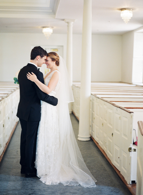 Christ Church Old Town Alexandria Wedding | Andrea Rodway Photog