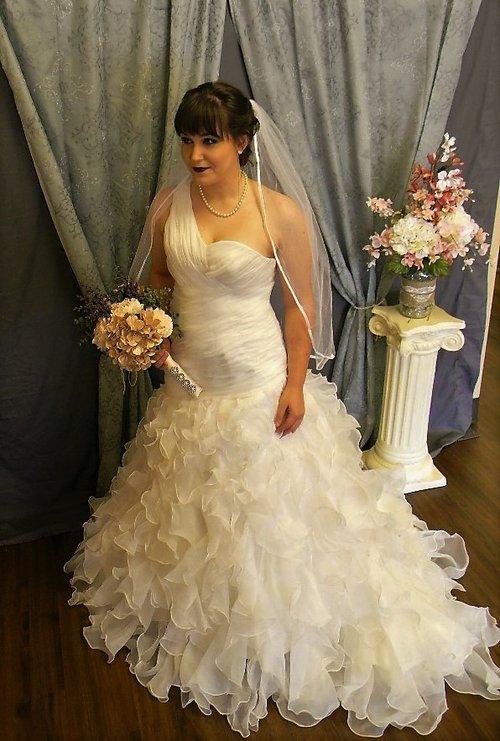 Designer Wedding Gowns Gallery — Teresa\'s Bridal
