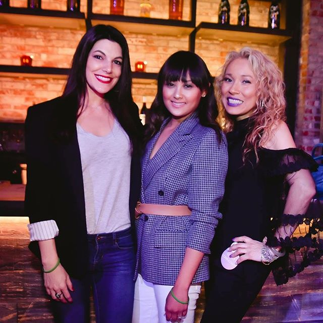 The Post Party Live at SLS the other night was a blast, and I'm beyond grateful I got to spend the evening with these amazing women!! 🎉👯🥂🛍🎶❤️ . . . . . #poshmark #poshpartylive #ladiesnight #womenempowerment #poshpartylasvegas #honestlysarcastic #womensupportingwomen #freelancelife #goodpeoplegoodvibes #bossbabe #party #workforyourself #girlsnight #girlboss #lblogger #lifestyleblog #lasvegasblogger #vegasblogger #lifestyleblogger #lasvegas #lasvegasnevada