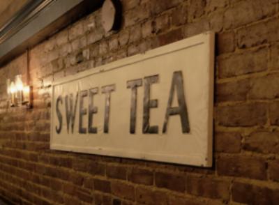 Sweet Tea Sign at Magnolia's Smokehouse in Brookline MA