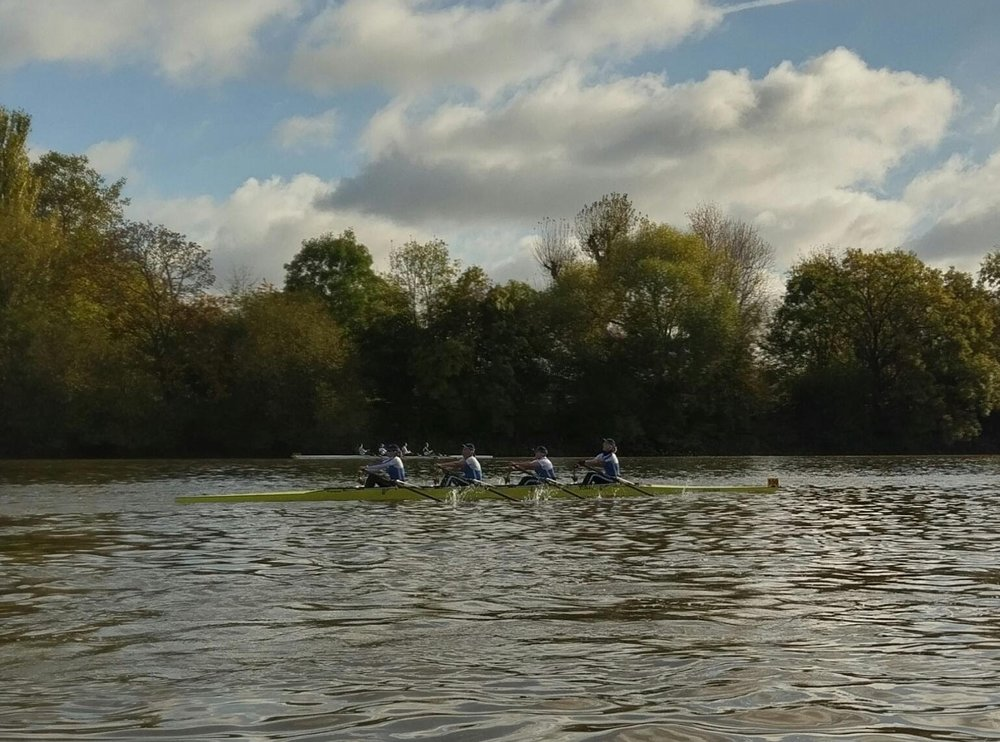 racing in the veteran fours head of the river race 2016