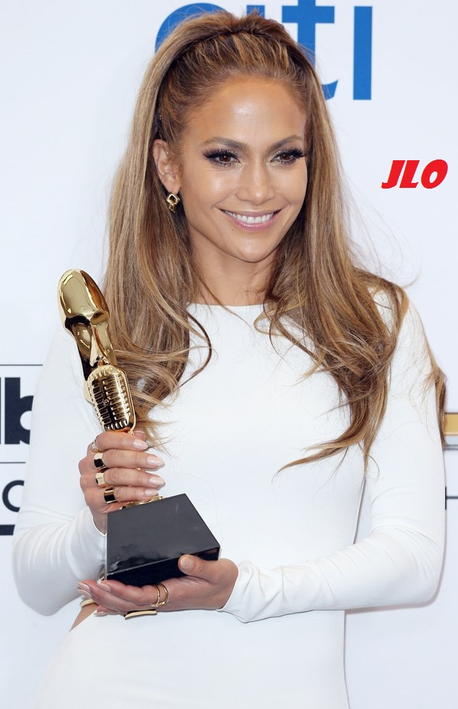 jennifer-lopez-2014-billboard-music-awards-press-room-01.jpg