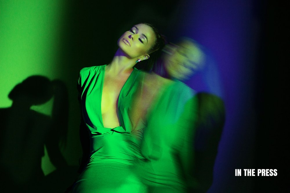 Carmen Electra in Sen Couture.jpg