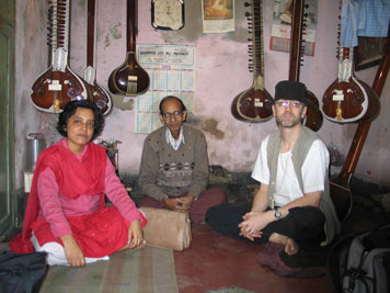 Visiting with JK Sengupta at his North Calcutta workshop - Mita Nag on left.