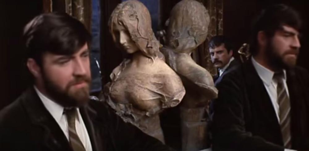 Rupert Birkin (Alan Bates) and Gerald Crich (Oliver Reed) discuss marriage.