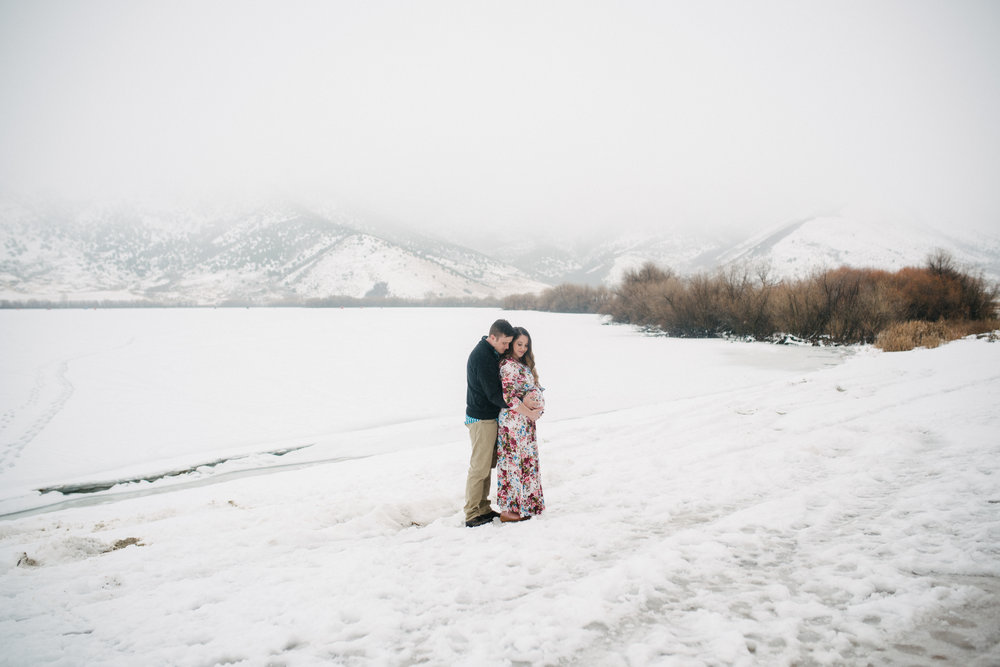 maternity-photogprahy-logan-utah