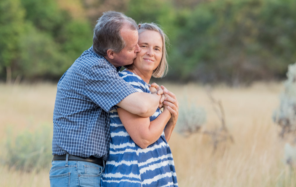 elk-ridge-family-photography-couple