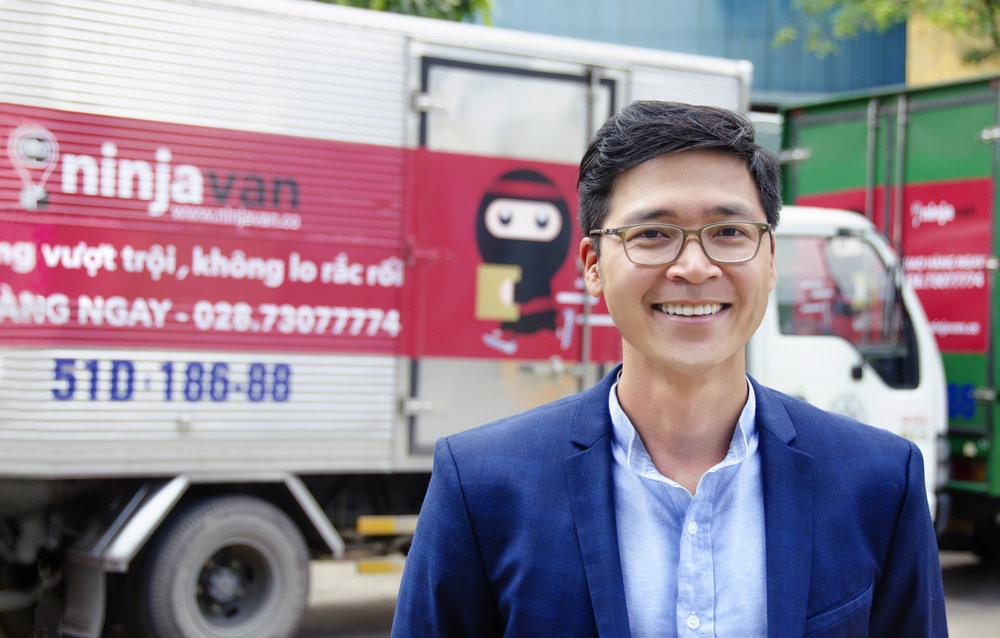 DZUNG PHAN - Country HeadĐảm nhiệm vị trí trưởng đại diện Ninja Van Việt Nam, ông chịu trách nhiệm chính cho việc vận hành cũng như mở rộng hoạt động kinh doanh tại Việt Nam.Với sự hiểu biết về ngành giao nhận hàng hóa, ông quyết tâm mang lại cho những người mua sắm trực tuyến tại Việt Nam những trải nghiệm dịch vụ giao hàng dễ dàng và thuận tiện. Tầm nhìn của ông đối với Ninja Van Việt Nam là cung cấp dịch vụ giao nhận chất lượng và kịp thời cho người dùng nhằm đảm bảo rằng Ninja Van luôn là lựa chọn tốt nhất khi có nhu cầu vận chuyển.Ông tốt nghiệp thạc sĩ Chính Sách Công từ trường Chính Sách Công Lý Quang Diệu, Singapore.