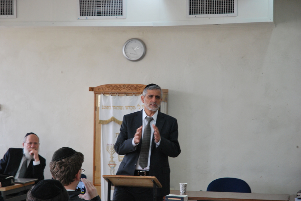 Goverment personality Eli Yishai praising BMDC in his visit in 2014