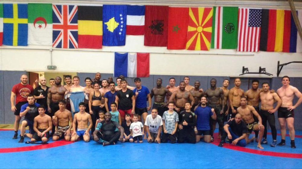I got back to training hard. Did a guest session at Metro lutte, one of the best wrestling teams in France. I had so much fun! Can you find me? :)