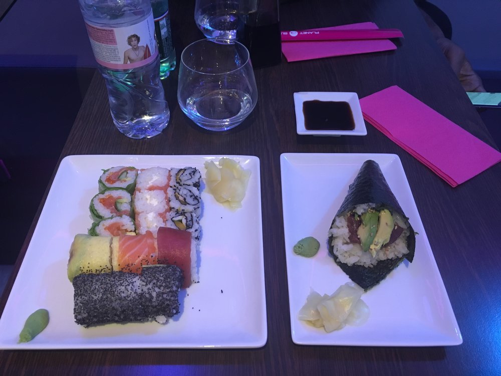 Had some sushi after shopping. Planet sushi is a sushi chain here that's pretty darn good. This one is close to Hermès.