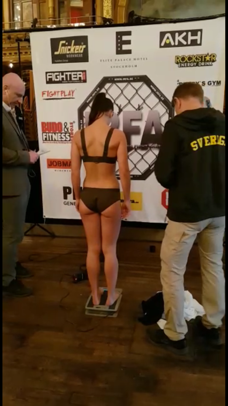 "52,25kg (fight was at 53kg) so obviously I had no problem making weight. However, I will let you in on what happened before though: like 4 days before the fight I was at 54,2. We where like ""pffff this is a piece of cake"", CHILLIN! Ok, so what happens? I stay on the same weight for 3 days. And I start to stress, cursing at my body for making me go for a couple of more runs than I wanted to. The day of the fight I get my periods, which obviously explains it all. I had completely NOT calculated that being a female would interfere in the weight cut. I had forgotten that I was one, and that I had to keep that little detail in mind... cause otherwise if you control how you eat and train you can pretty much calculate what you'll weigh every day. Fortunately the adjustments where fine, but I was completely dramatic obviously... I'm Latina after all haha"