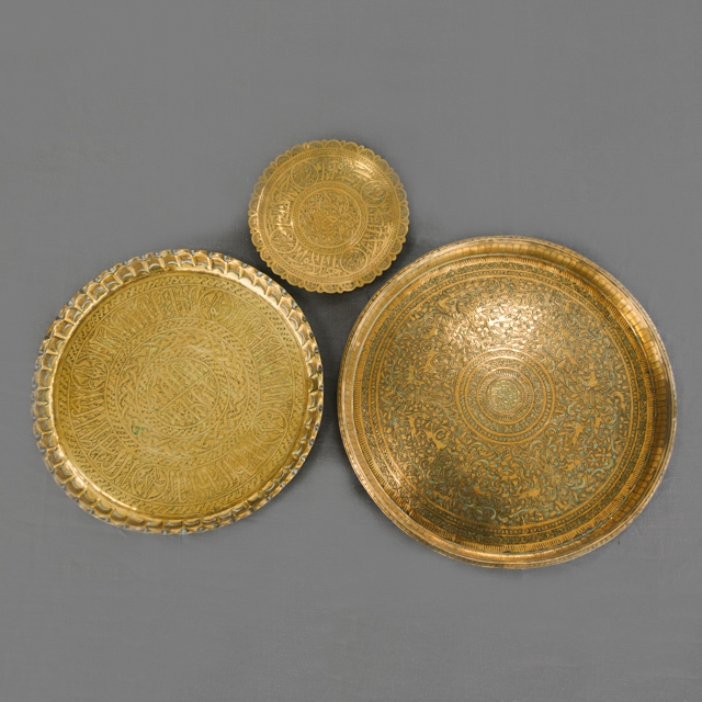 TRAYS & BOWLS - BRASS ORNATE TRAYS, BOWLS & PLATTERS - ROUND & RECTANGLE - small, medium, large & x-large