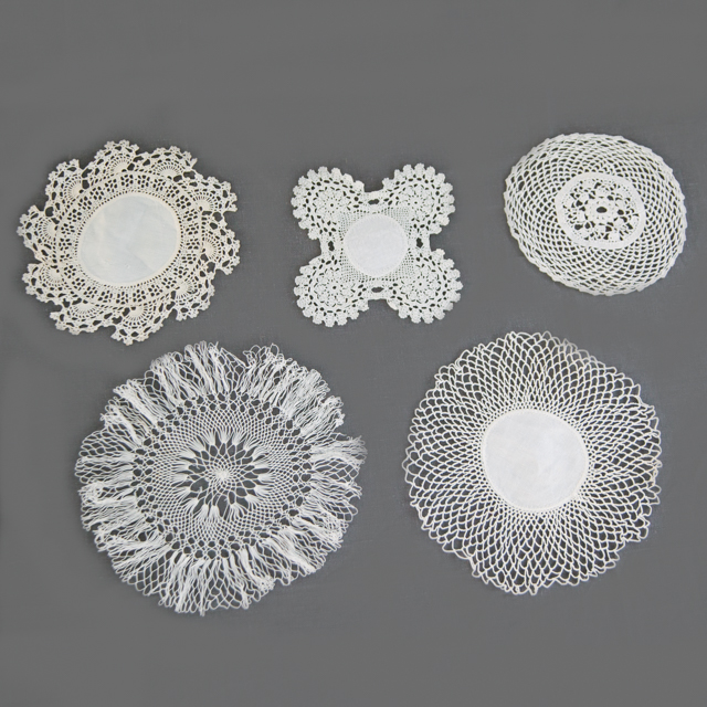 LACE - DOILIES ASSORTED - CREAM & WHITE - small, medium & large