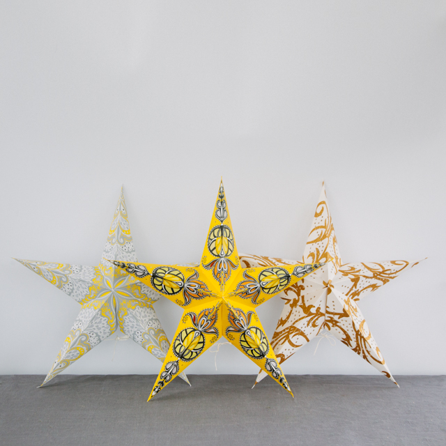 STAR COLLECTION - ASSORTED COLOURS & PATTERNS - YELLOW, WHITE, GREY & GOLD - large & x-large