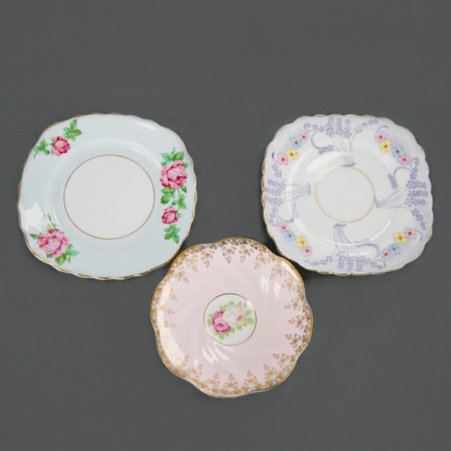 CAKE PLATES & BOWLS - BLUE, PURPLE & PINK MIX CAKE PLATES - SQUARE & ROUND SHAPE - small & medium