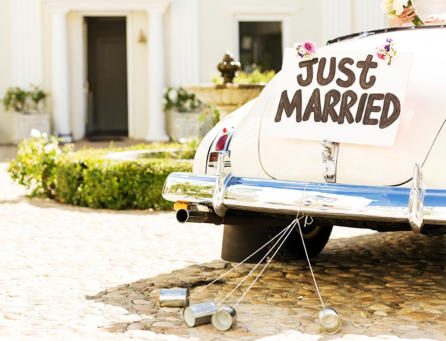 wedding-traditions-cans-getaway-car.jpg