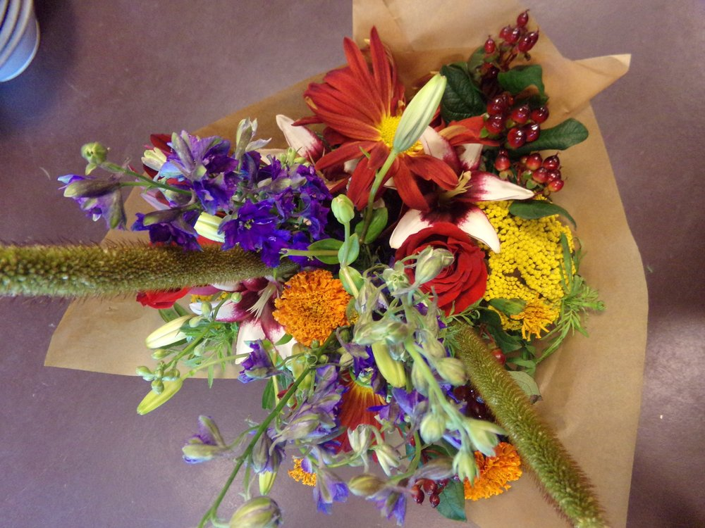 wrapped bouquet 101_1755.jpg