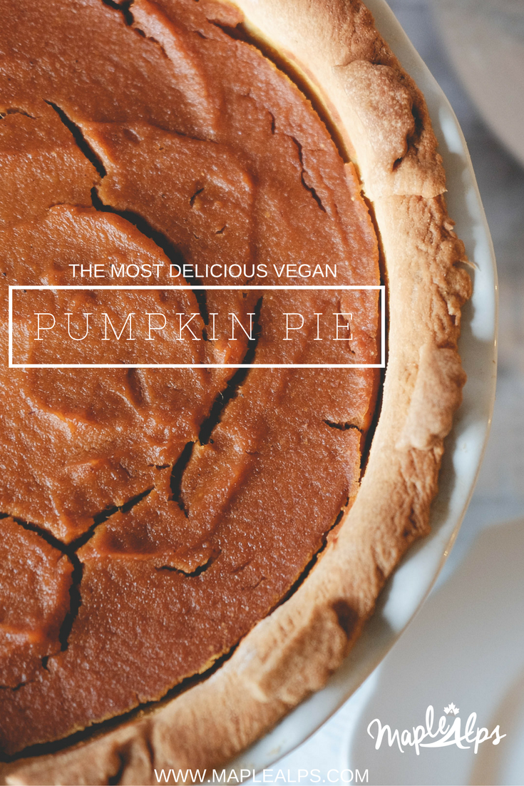 The Best Vegan Pumpkin Pie | www.maplealps.com