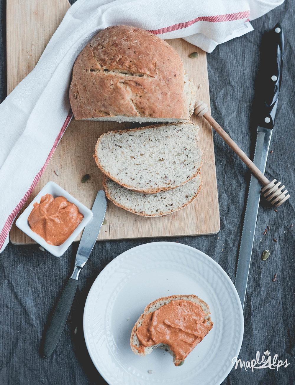Tomato Almond Spread (vegan) | www.maplealps.com