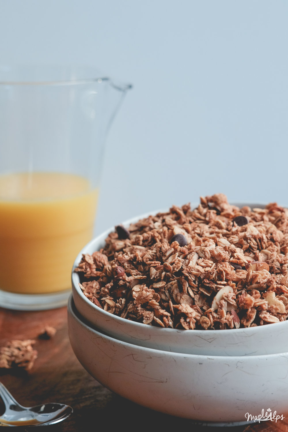 Almond Coconut Chocolate Granola | www.maplealps.com