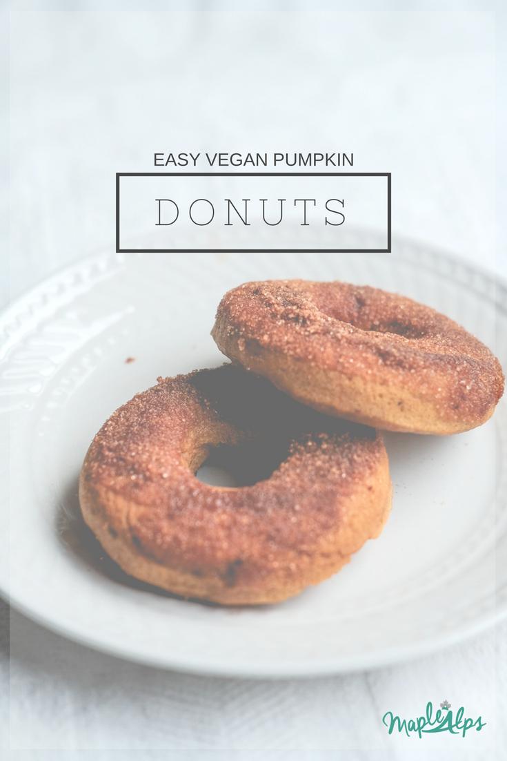 Pumpkin Donuts (vegan) | www.maplealps.com