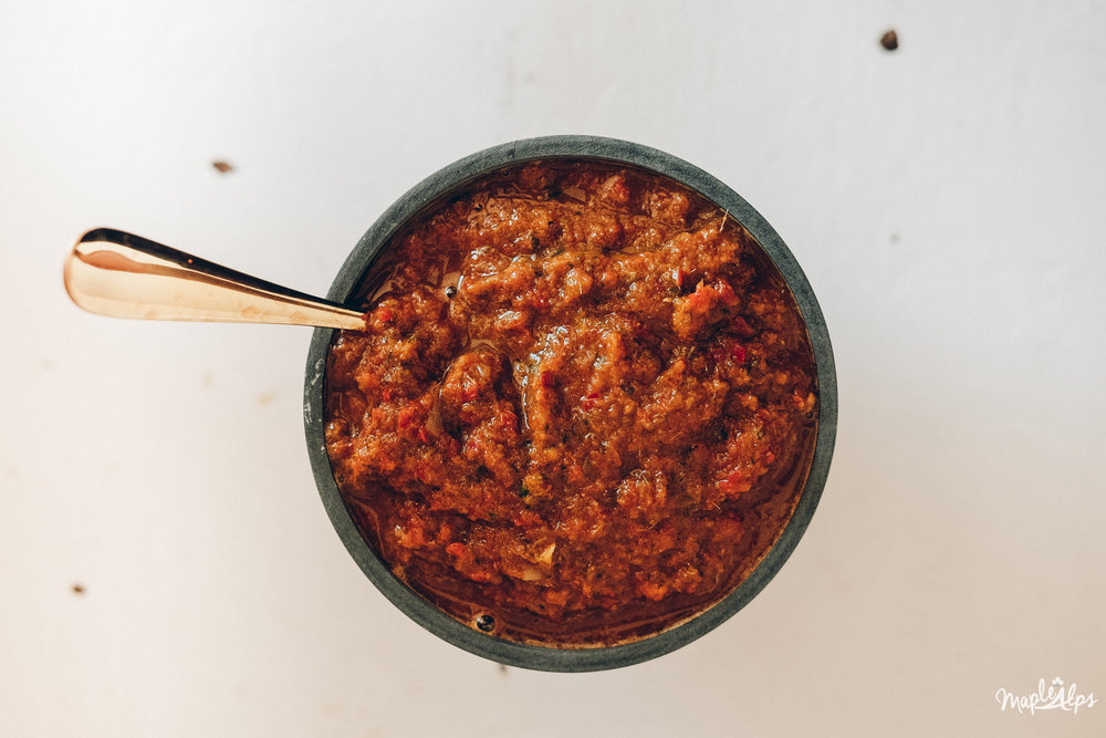 Quick + Easy Vegan Red Curry Paste | www.maplealps.com