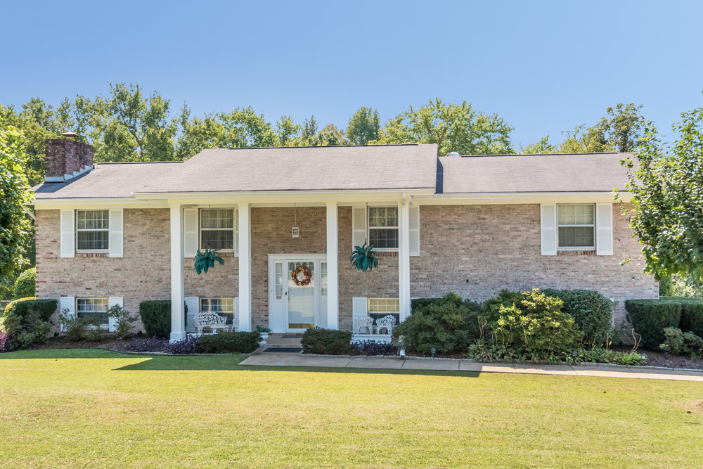 8144 Holly Crest Dr, Chattanooga, TN 37421   This 3 bedroom, 2.5 bath home features an oversized 2 car garage and downstairs bonus family room with a gas fireplace and won't last long! Be sure to check it out while it is still available.   Complete the form below for more information.
