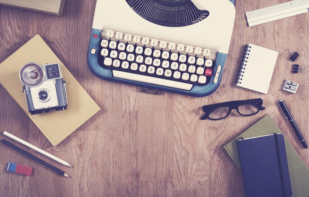 Vintage-office-desk--hero-header-image-000066379769_Full (1).jpg