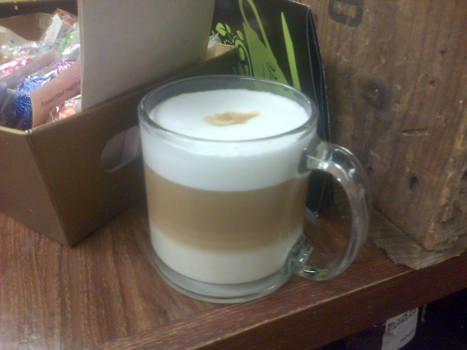 Video: Making NovelTea's James Joyce Latte Macchiato