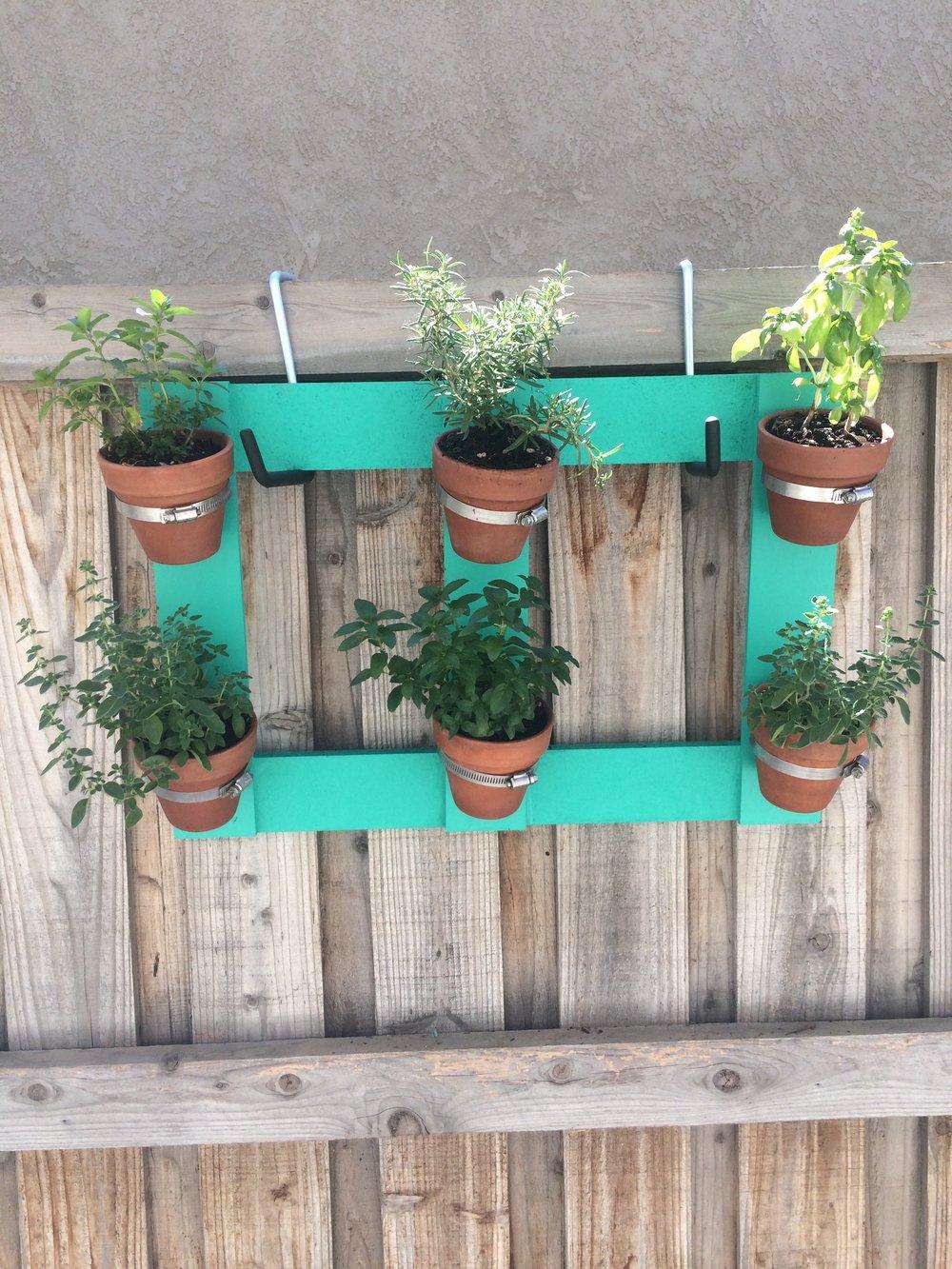 DIY Vertical Herb Garden — Posey\'s Corner