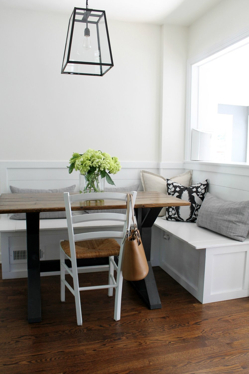 wall color: Benjamin Moore Cloud White