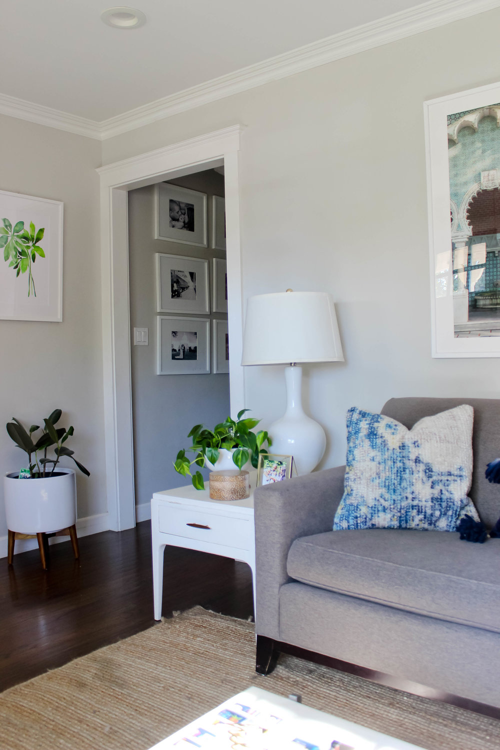 On f the areas in my living room that stayed the same was our front entry. Our living room front door opens directly into my home, and while I have no ...