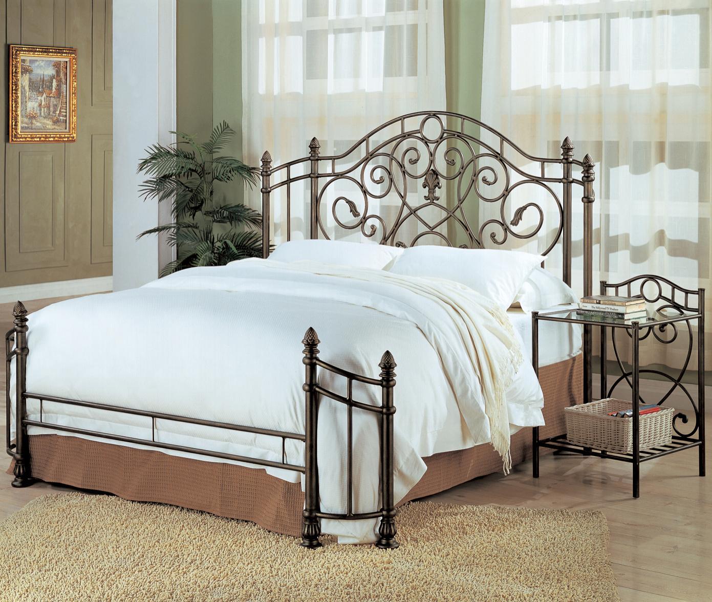 Beau Sol Metal Bed