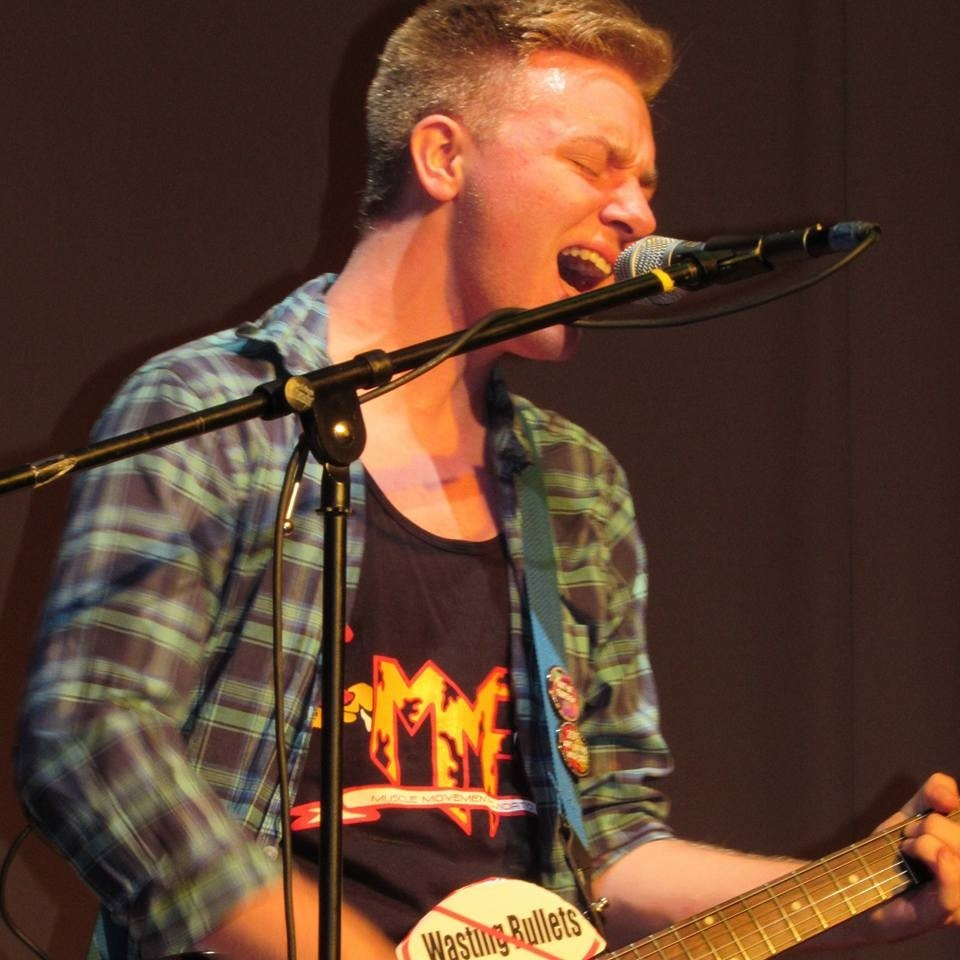 Shooting Shark Band lead guitarist/vocalist, Nathan Lamborn! (Image courtesy of Maya D.T. Copyright 2016, Maya D.T.)