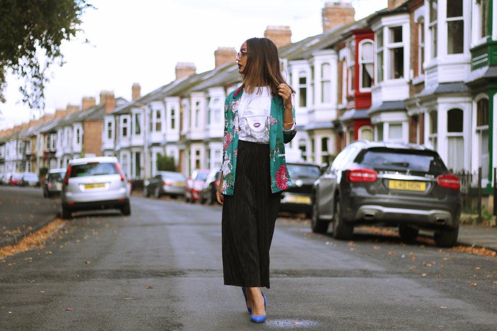 ASOS Petite Japanese floral print blazer jacket, Topshop Petite culotte, matalan heels and Beyonce Tshirt