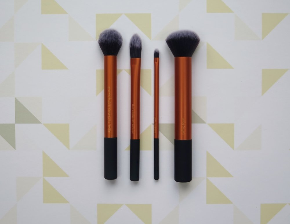 REAL TECHNIQUES BASE/CORE MAKE UP BRUSHES