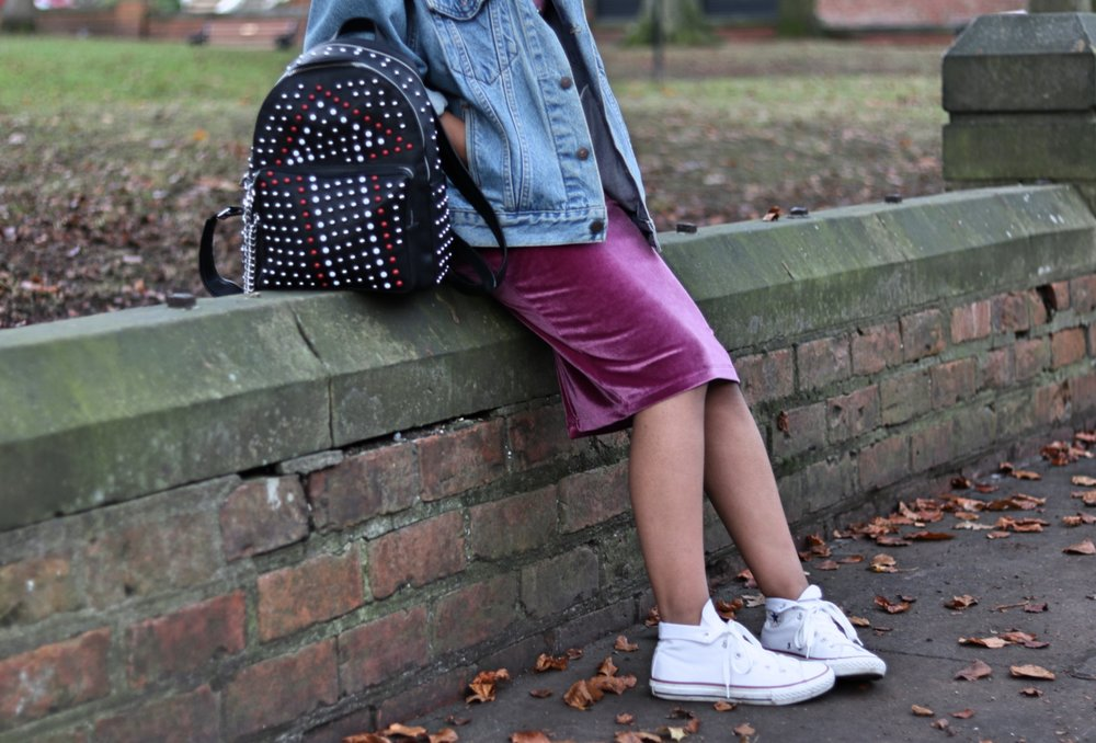 Asos petite velvet pink dress, denim jacket, converse, beanie and zara backpackAsos petite velvet pink dress, denim jacket, converse and zara backpack