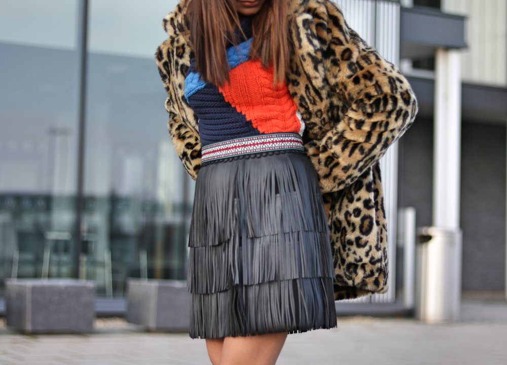 StyleWe Dark Blue Fringed A-line Vintage Mini Skirt, Leopard Print Faux Fur Jacket