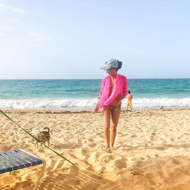 Making fur friends 🐶 . . . #flashesofdelight #islandhopping  #mytinyatlas #aroundtheworldpix #theglobewanderer #theprettycities #exploringtheglobe #travelog #instatravel #roamtheplanet #awesome_earthpix #travelog #artofvisuals #flashesofdelight #thecreative #ig_masterpiece  #beachvibes #beachy #travel #travelgram #wanderlust #vacation #puertorico #dog #furbaby #bikini #latin