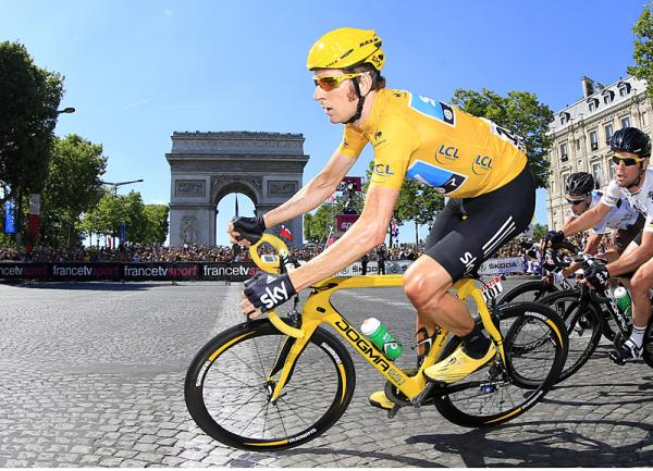 Bradley Wiggins in the yellow jersey on the Champs'Élysées, 2012, Credit:Bettini Photo